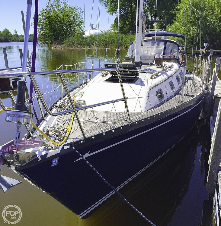 1983 Quest boat for sale, model of the boat is 36 Semi Custom & Image # 13 of 29