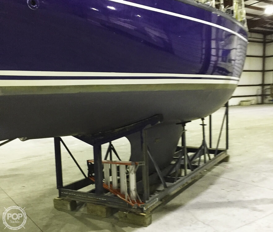 1983 Quest boat for sale, model of the boat is 36 Semi Custom & Image # 3 of 29