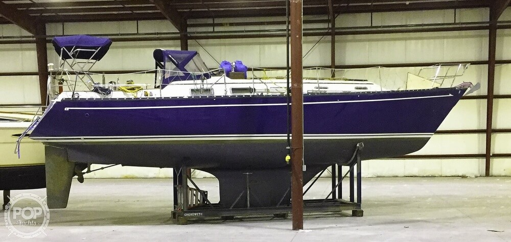 1983 Quest boat for sale, model of the boat is 36 Semi Custom & Image # 2 of 29