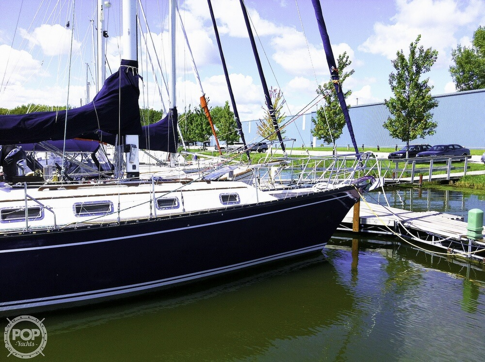 1983 Quest boat for sale, model of the boat is 36 Semi Custom & Image # 5 of 29