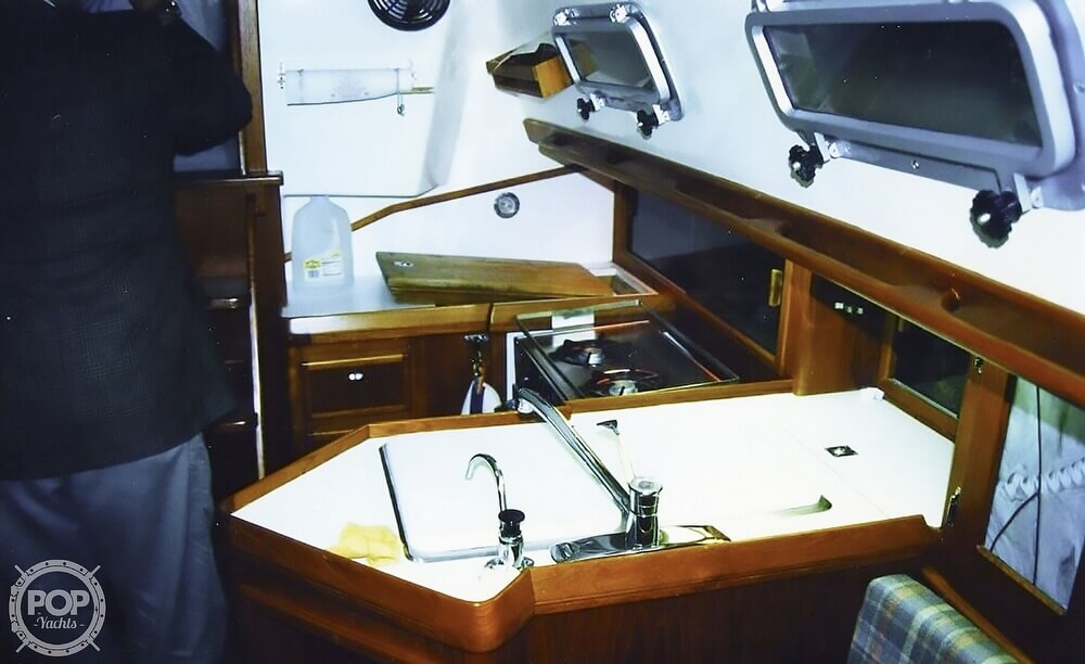 1983 Quest boat for sale, model of the boat is 36 Semi Custom & Image # 22 of 29
