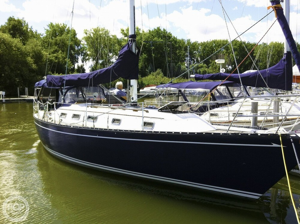 1983 Quest boat for sale, model of the boat is 36 Semi Custom & Image # 4 of 29