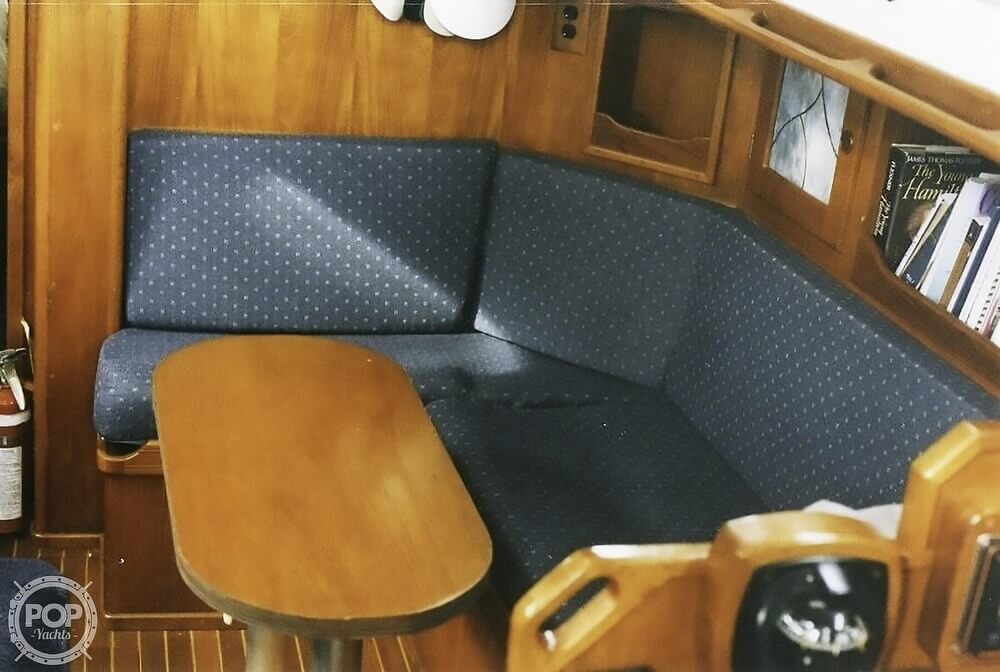 1983 Quest boat for sale, model of the boat is 36 Semi Custom & Image # 21 of 29