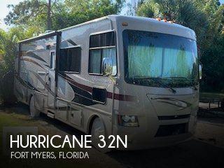 2014 Thor Motor Coach Hurricane 32N
