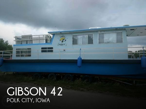 Used Houseboats For Sale in Iowa by owner | 1983 Gibson 42