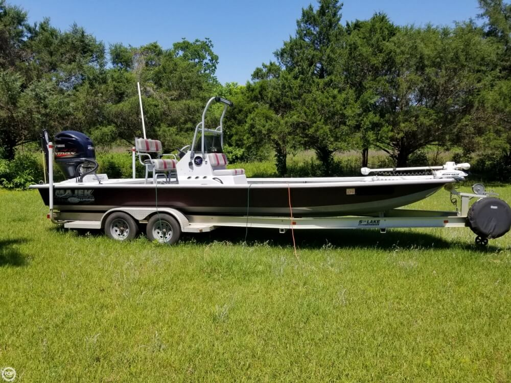 2015 Majek boat for sale, model of the boat is 25 Illusion & Image # 8 of 40