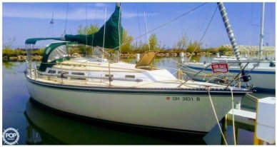 Newport 33, 33', for sale - $17,750
