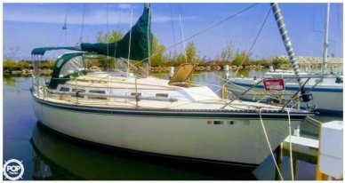 Newport 33, 33', for sale - $13,250