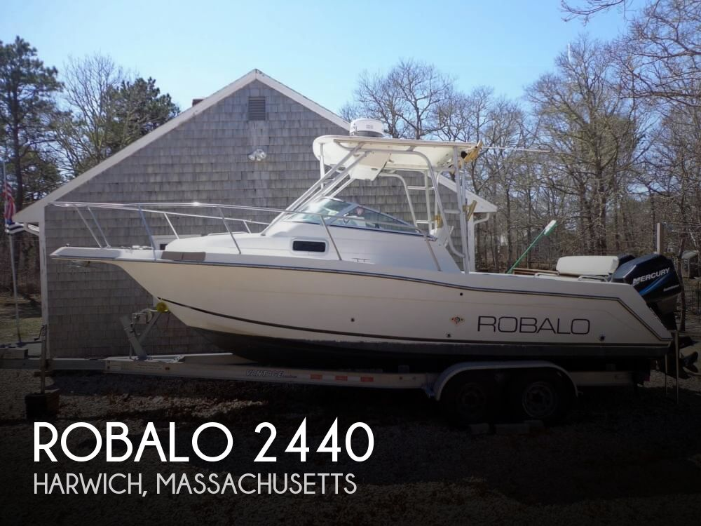 2000 Robalo boat for sale, model of the boat is 2440 & Image # 1 of 40