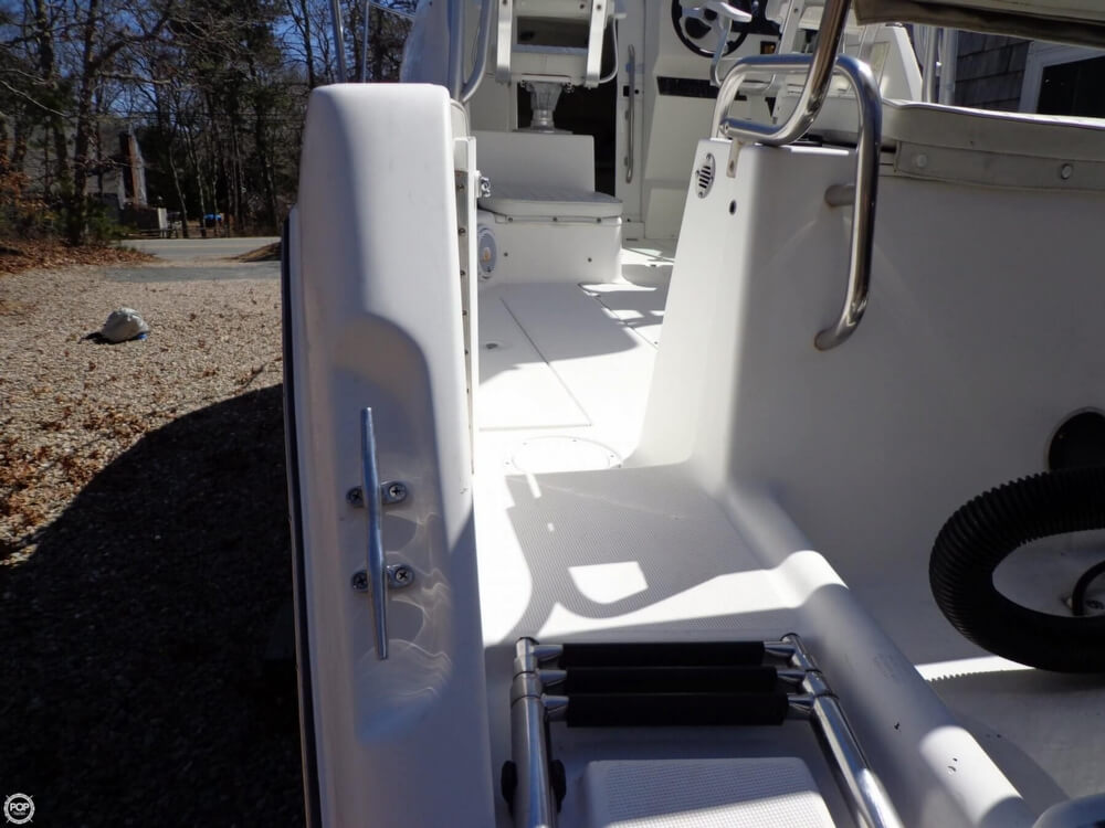 2000 Robalo boat for sale, model of the boat is 2440 & Image # 38 of 40