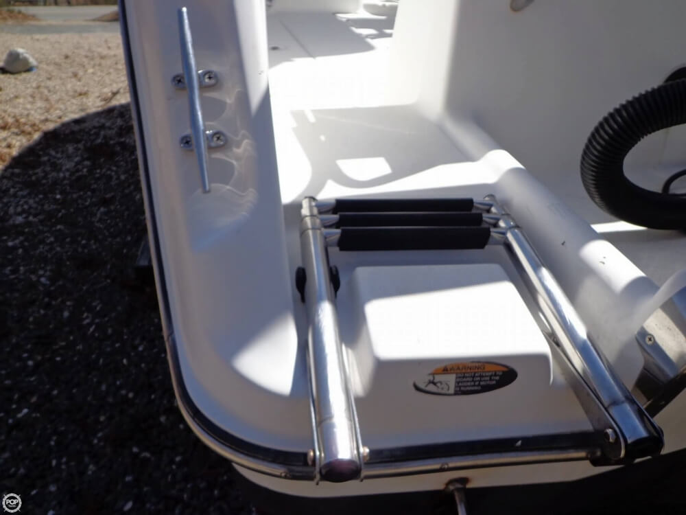 2000 Robalo boat for sale, model of the boat is 2440 & Image # 39 of 40