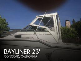 1990 Bayliner Trophy 2302