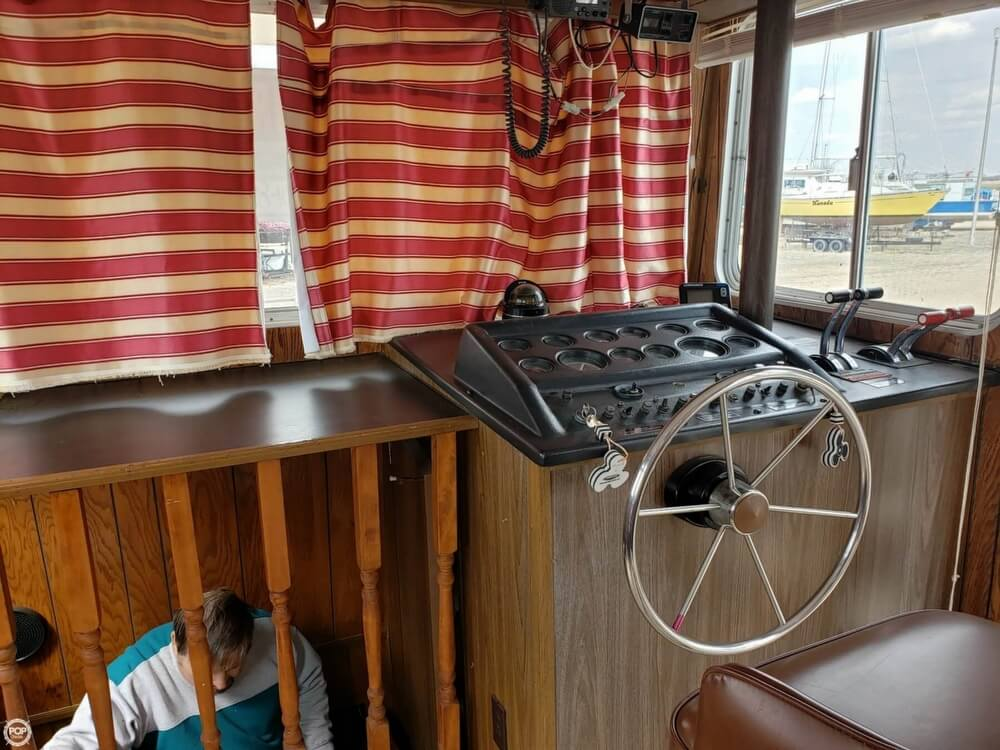 1983 Holiday Mansion boat for sale, model of the boat is 39 Jumbo Barracuda & Image # 29 of 40