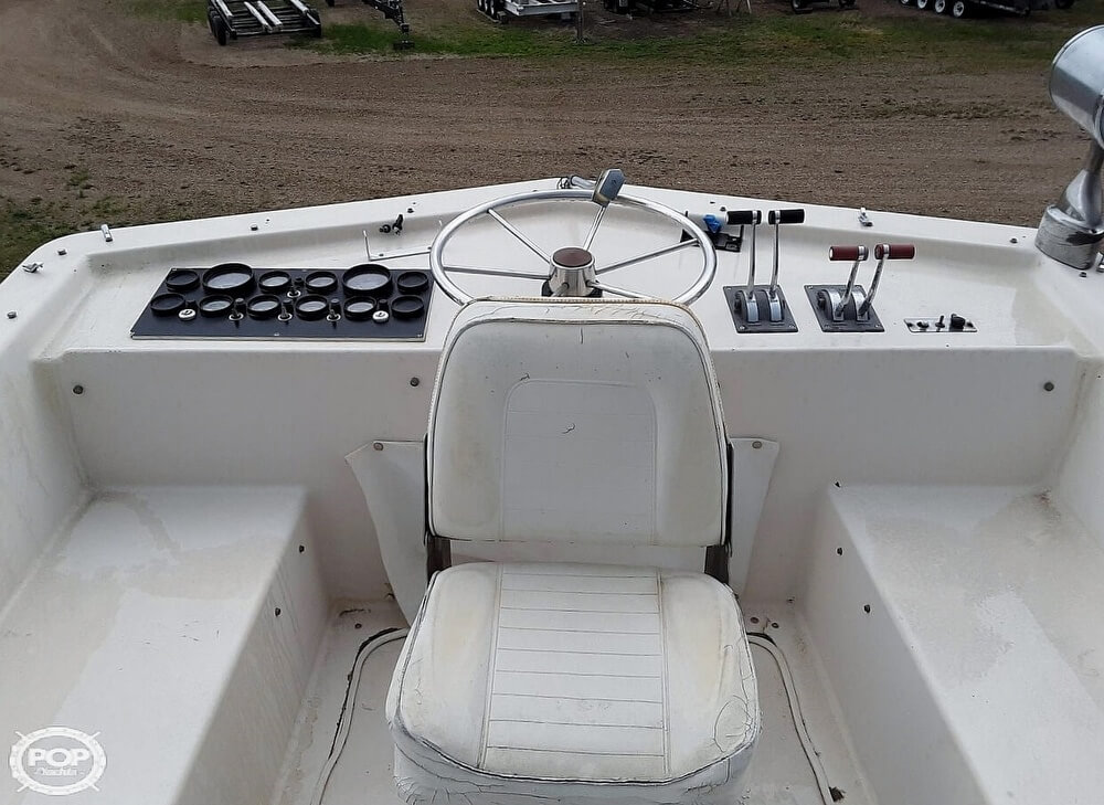 1983 Holiday Mansion boat for sale, model of the boat is 39 Jumbo Barracuda & Image # 10 of 40