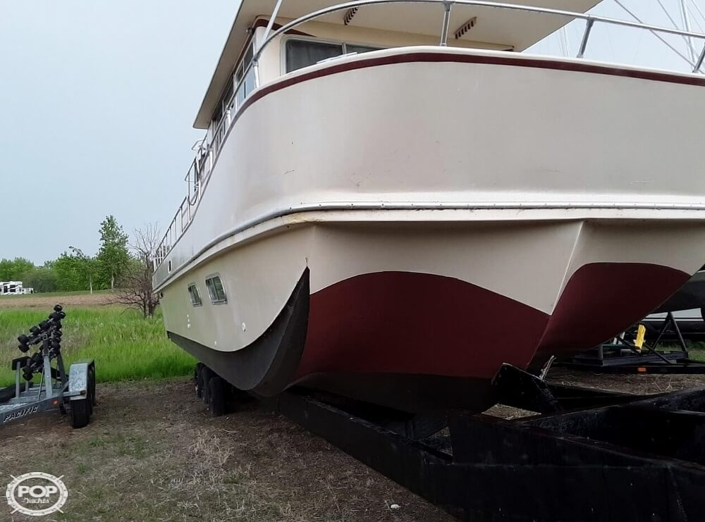 1983 Holiday Mansion boat for sale, model of the boat is 39 Jumbo Barracuda & Image # 2 of 40