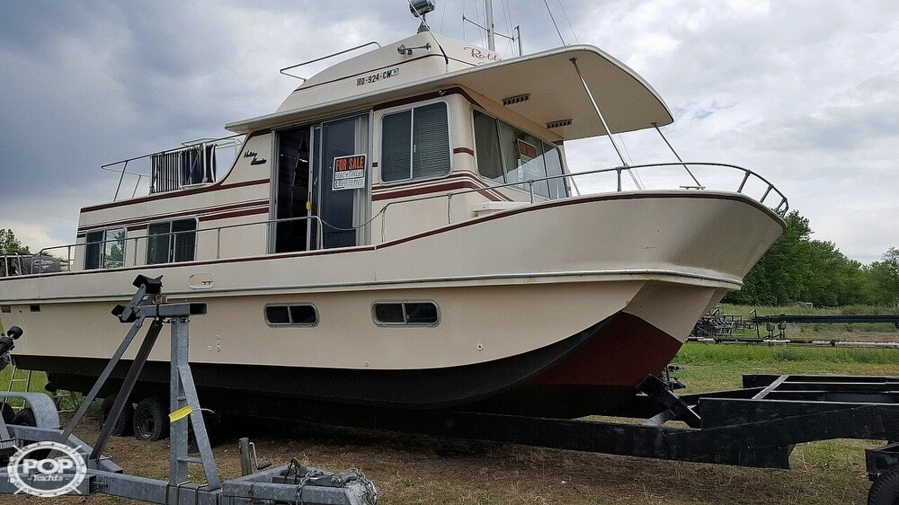 1983 Holiday Mansion boat for sale, model of the boat is 39 Jumbo Barracuda & Image # 4 of 40
