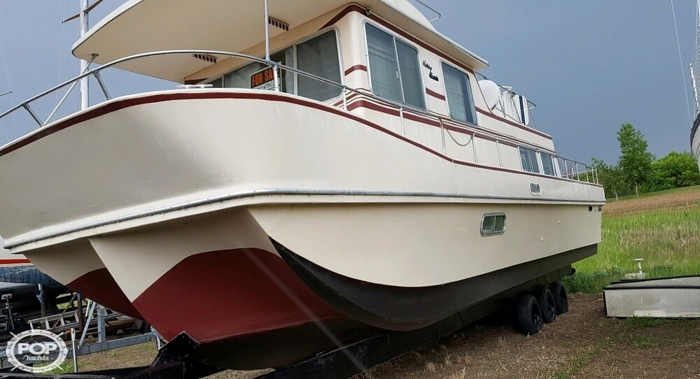 1983 Holiday Mansion boat for sale, model of the boat is 39 Jumbo Barracuda & Image # 3 of 40