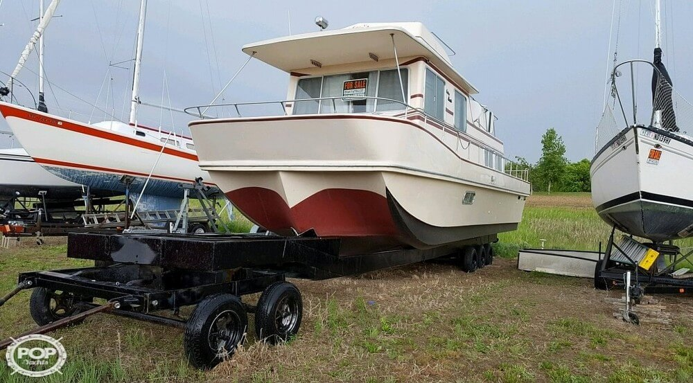 1983 Holiday Mansion boat for sale, model of the boat is 39 Jumbo Barracuda & Image # 5 of 40