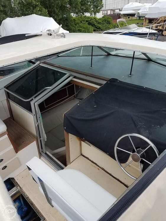 1980 Sea Ray boat for sale, model of the boat is SRV 360 Express Cruiser & Image # 13 of 41