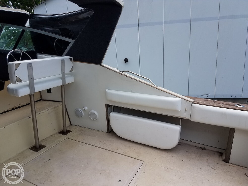 1980 Sea Ray boat for sale, model of the boat is SRV 360 Express Cruiser & Image # 25 of 41