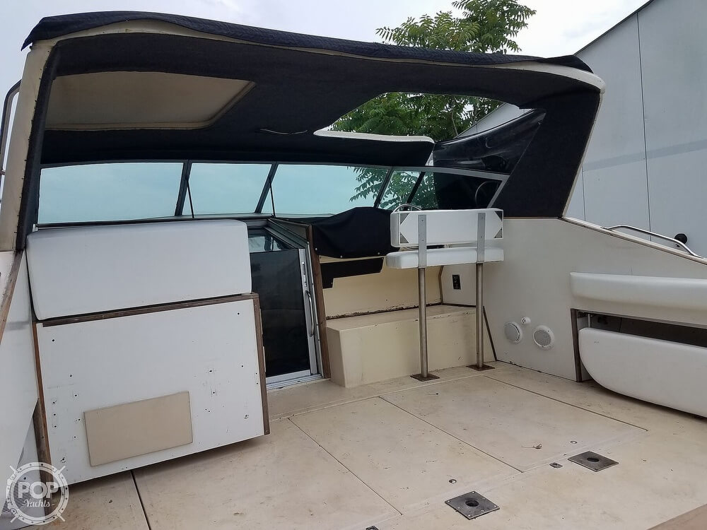 1980 Sea Ray boat for sale, model of the boat is SRV 360 Express Cruiser & Image # 19 of 41