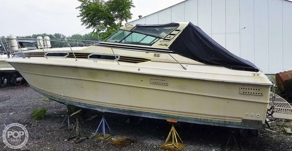 1980 Sea Ray boat for sale, model of the boat is SRV 360 Express Cruiser & Image # 4 of 41
