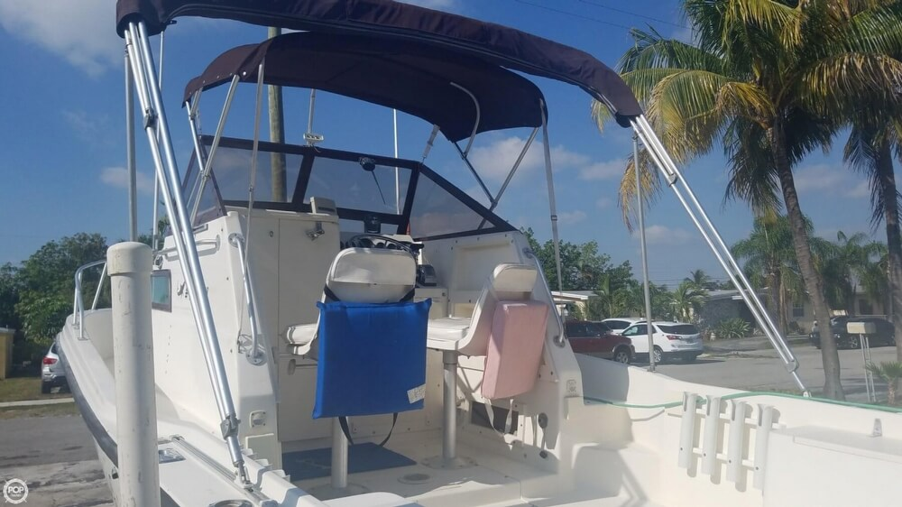 1985 Mako boat for sale, model of the boat is 238 & Image # 6 of 41