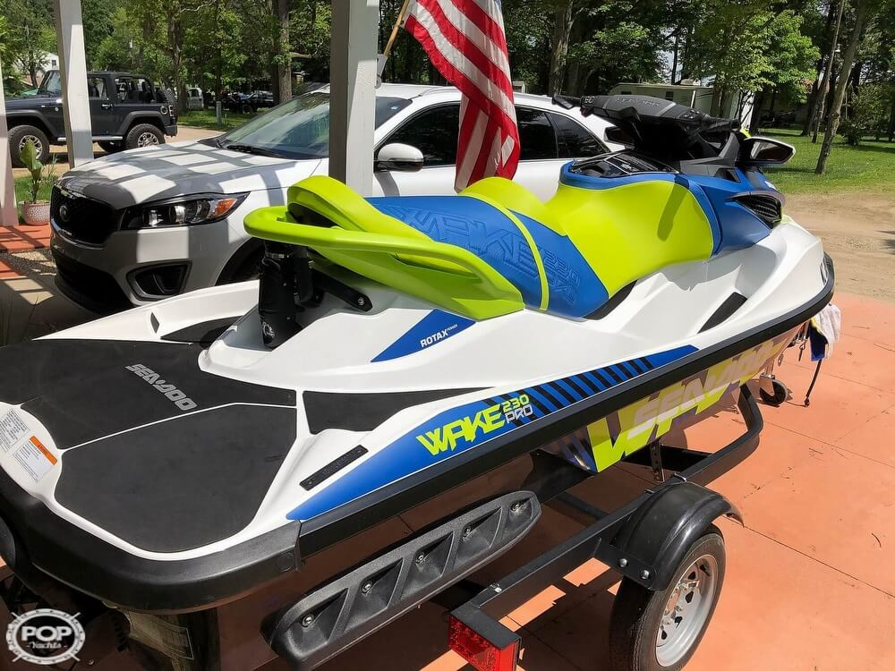 2017 Sea Doo PWC boat for sale, model of the boat is 230 Wake Pro & Image # 4 of 12