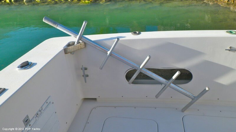 1977 Bertram boat for sale, model of the boat is 33 Flybridge Cruiser & Image # 18 of 40