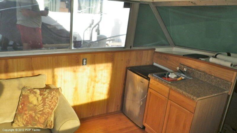 1977 Bertram boat for sale, model of the boat is 33 Flybridge Cruiser & Image # 38 of 40