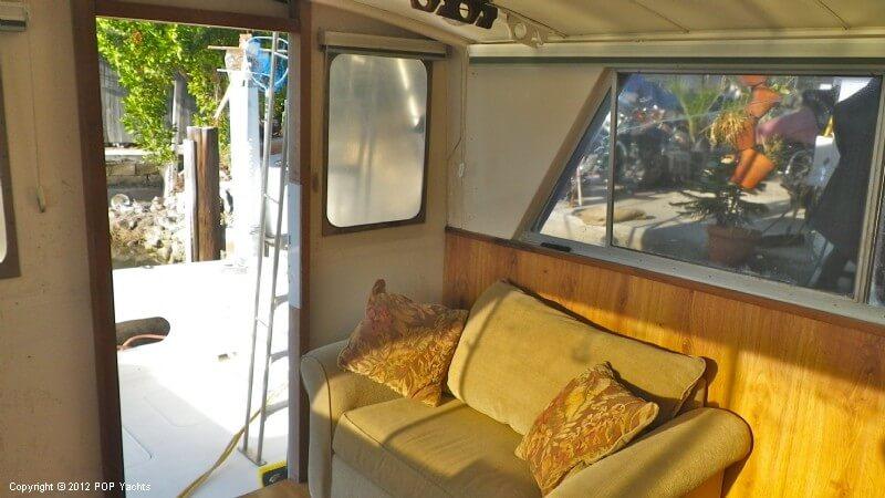 1977 Bertram boat for sale, model of the boat is 33 Flybridge Cruiser & Image # 39 of 40