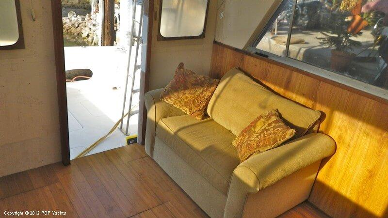 1977 Bertram boat for sale, model of the boat is 33 Flybridge Cruiser & Image # 40 of 40
