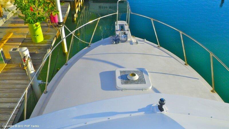 1977 Bertram boat for sale, model of the boat is 33 Flybridge Cruiser & Image # 5 of 40