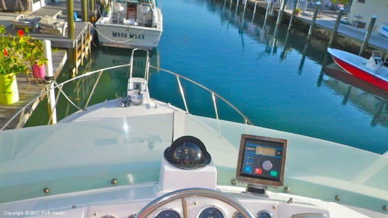 1977 Bertram boat for sale, model of the boat is 33 Flybridge Cruiser & Image # 6 of 40