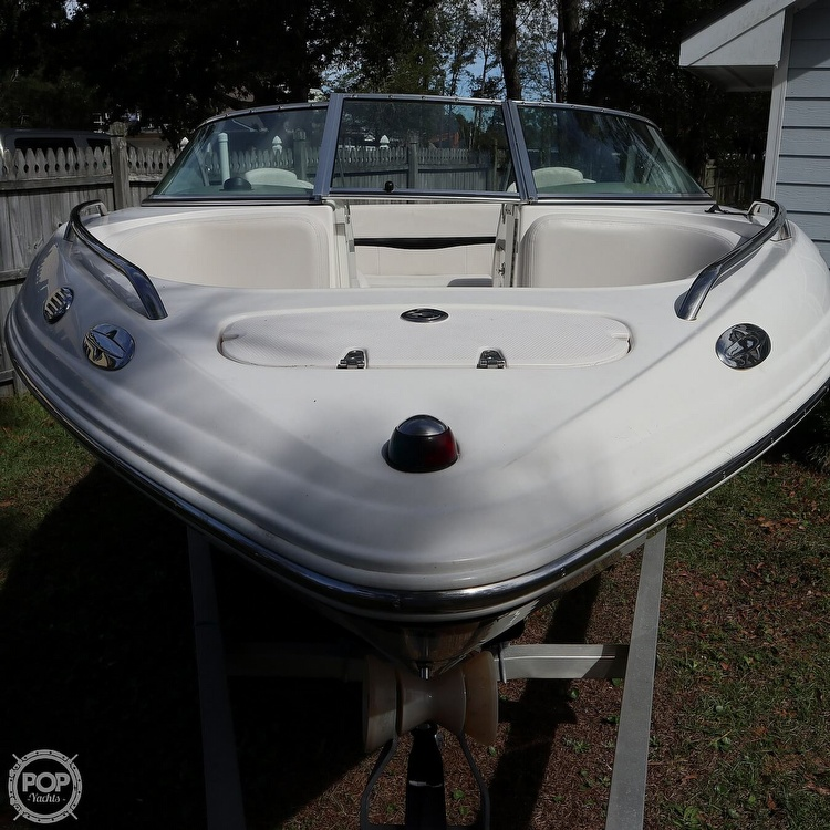 2003 Chaparral boat for sale, model of the boat is 200SSI & Image # 2 of 40
