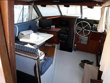 1987 Bayliner 32 - image 29