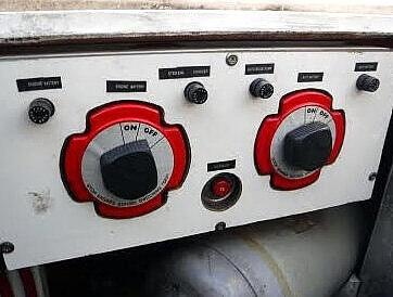 1987 Bayliner 32 - image 11