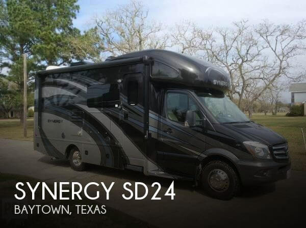 2017 Thor Motor Coach Synergy SD24