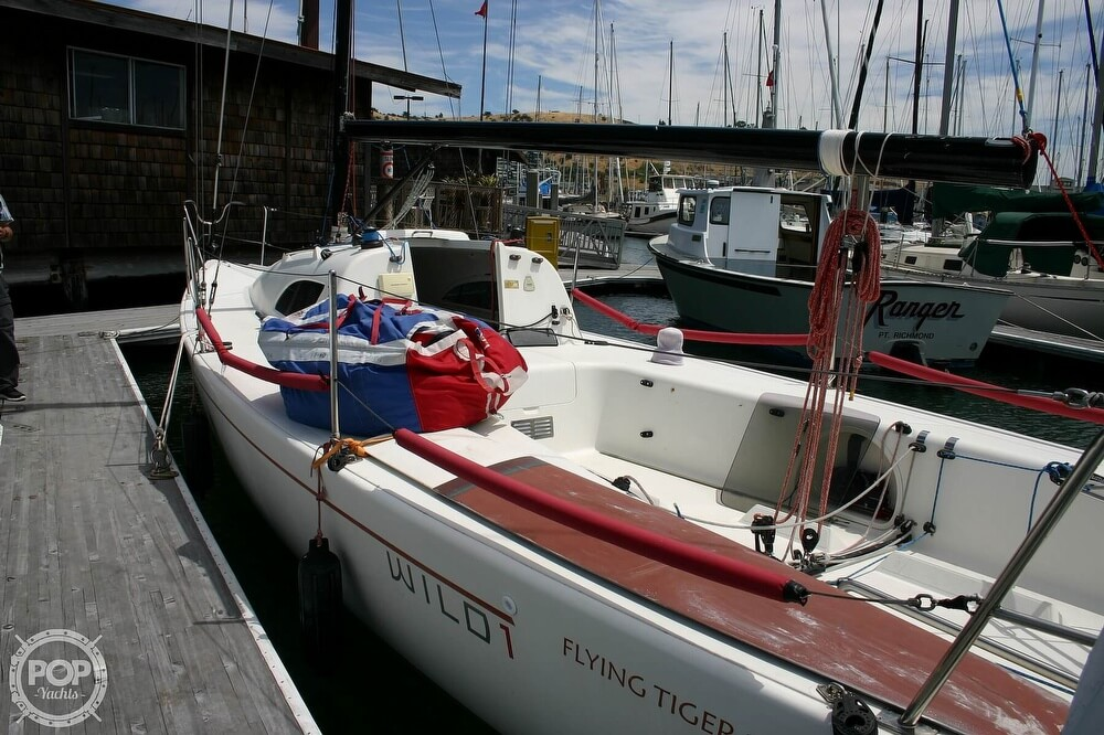 2007 Flying Tiger boat for sale, model of the boat is FT 10M & Image # 10 of 40