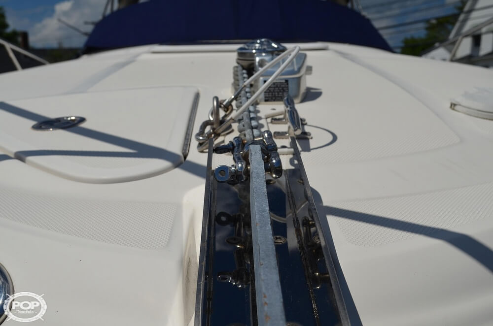 2004 Sea Ray boat for sale, model of the boat is 280 Sundancer & Image # 29 of 40