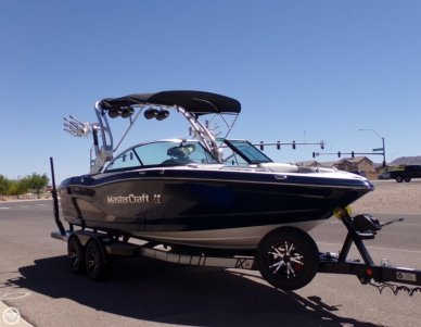 Mastercraft X10 Wake Surf, 21', for sale - $67,775