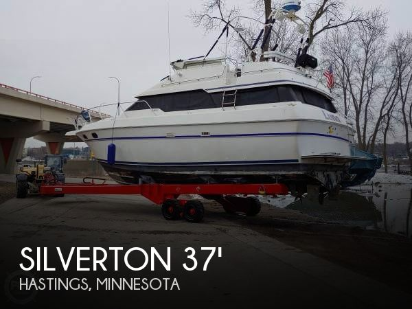 Used Boats For Sale in Rochester, Minnesota by owner | 1988 Silverton 37
