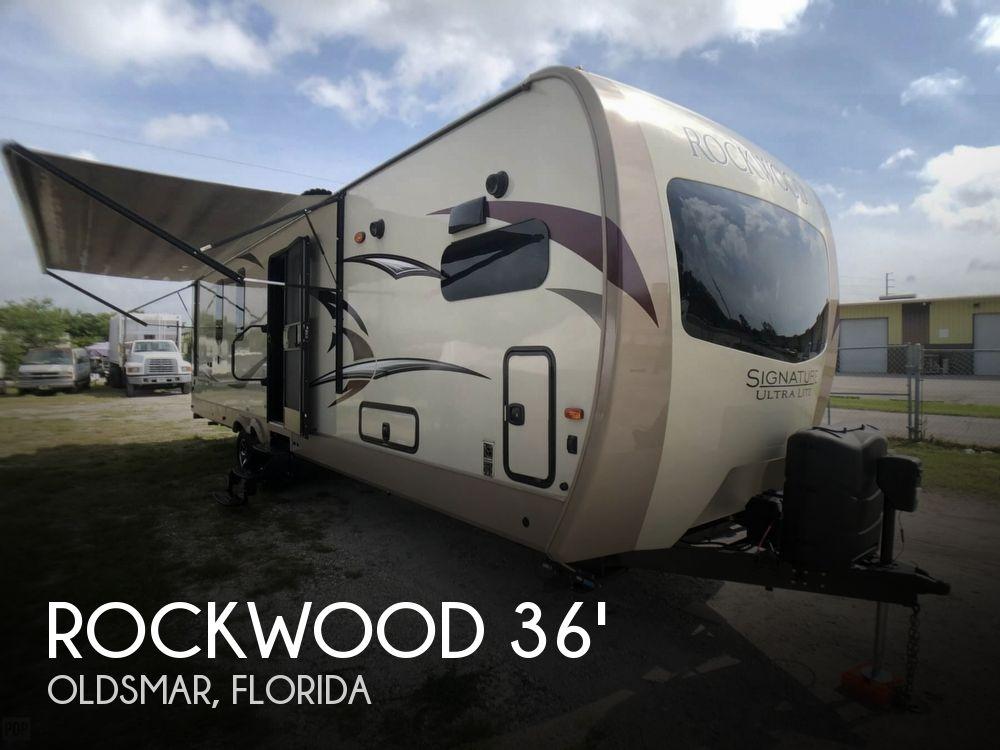 2018 Forest River Rockwood Signature Ultra Lite 8335BS