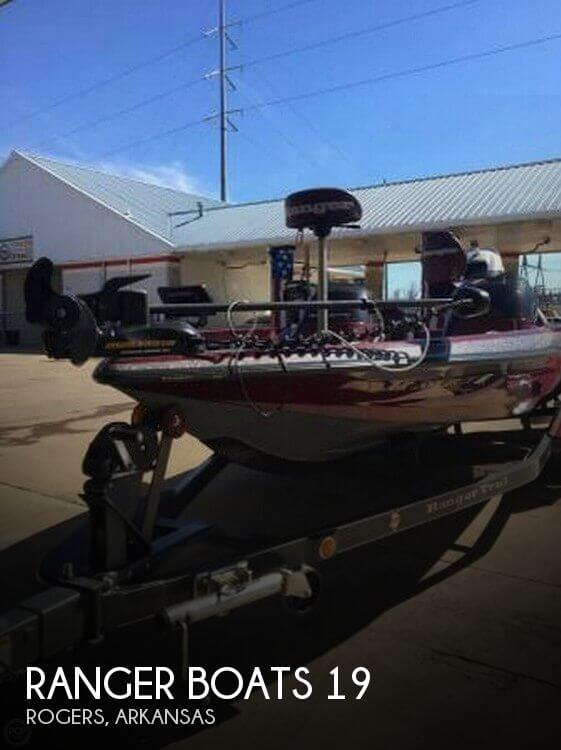 Used Ski Boats For Sale in Springfield, Missouri by owner | 2004 Ranger Boats 19