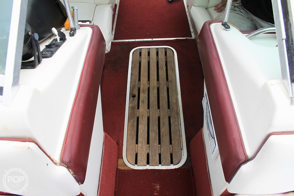 1989 Sea Ray boat for sale, model of the boat is 200 Bowrider & Image # 39 of 40