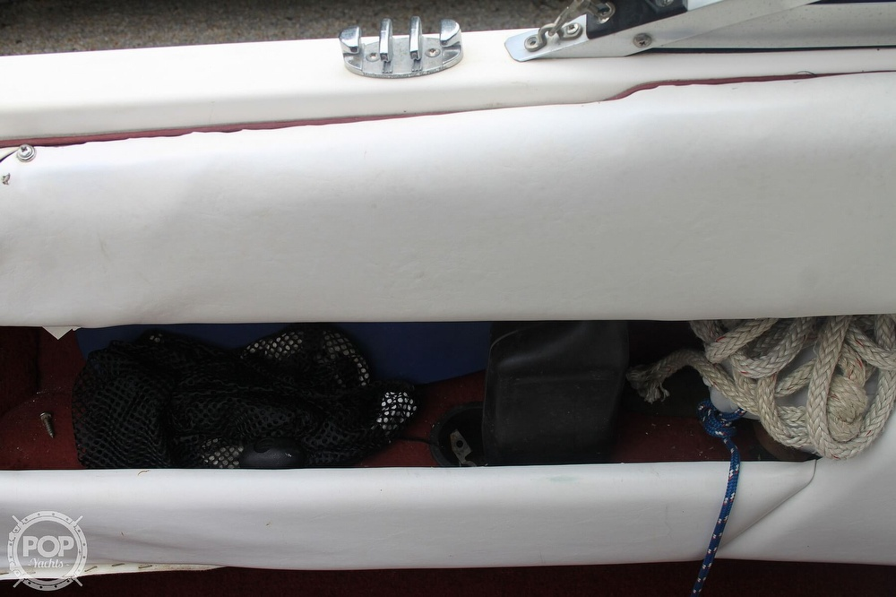 1989 Sea Ray boat for sale, model of the boat is 200 Bowrider & Image # 38 of 40