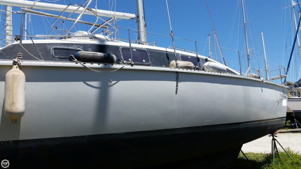 1993 PDQ Yachts boat for sale, model of the boat is 36 Capella & Image # 18 of 40