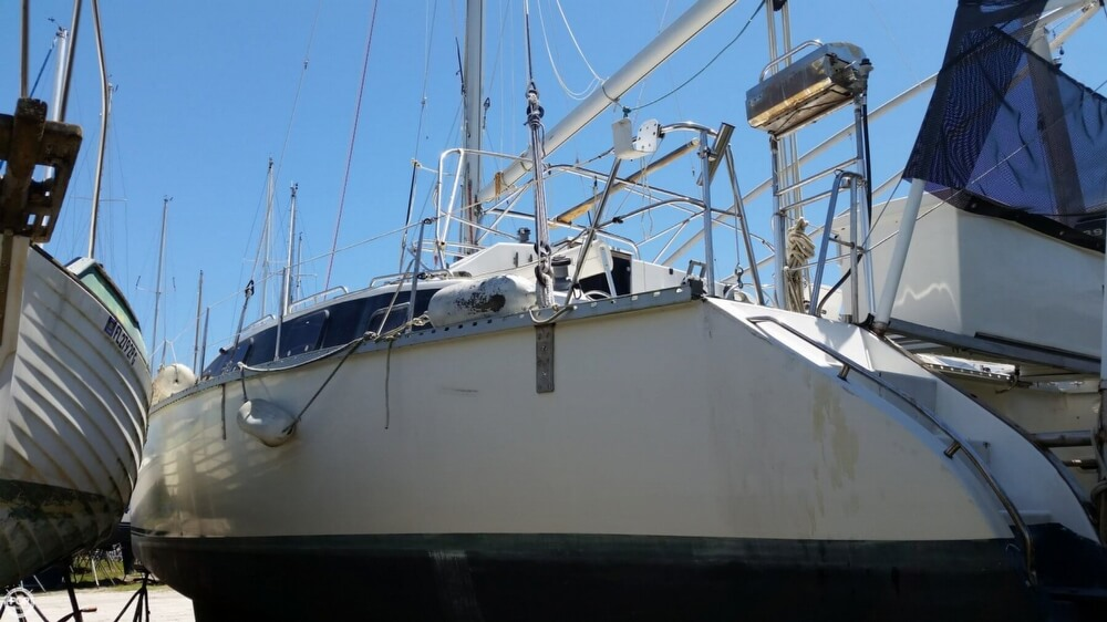 1993 PDQ Yachts boat for sale, model of the boat is 36 Capella & Image # 29 of 40