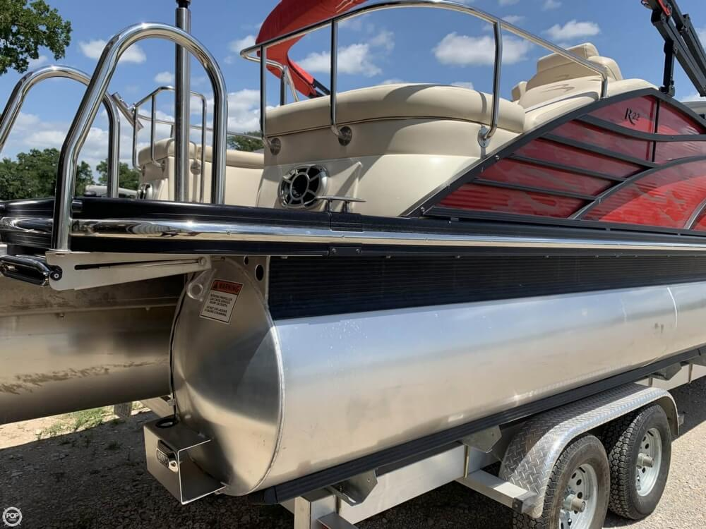 2015 Bennington boat for sale, model of the boat is 2275 RCW & Image # 8 of 41