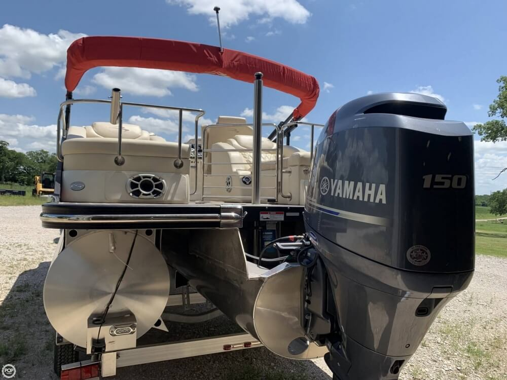 2015 Bennington boat for sale, model of the boat is 2275 RCW & Image # 2 of 41